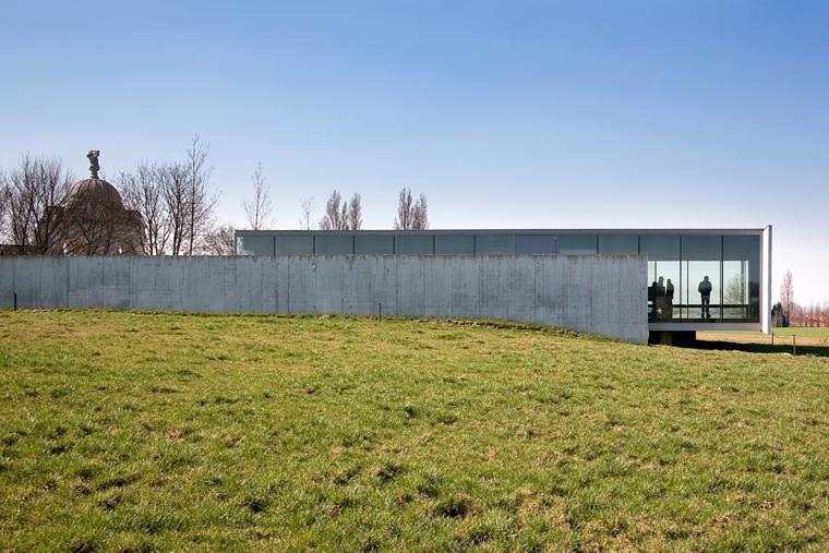 比利时TyneCot墓地入口-比利时Tyne Cot墓地入口外部实景-比利时Tyne Cot墓地入口第2张图片