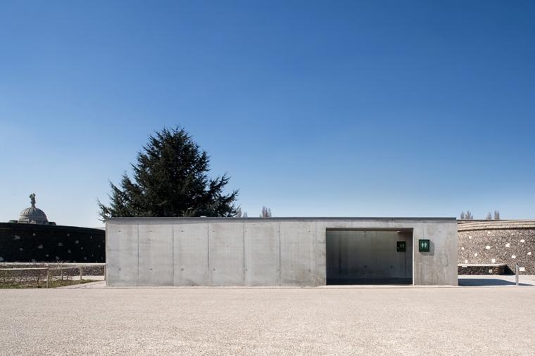 比利时TyneCot墓地入口-比利时Tyne Cot墓地入口外部实景-比利时Tyne Cot墓地入口第7张图片