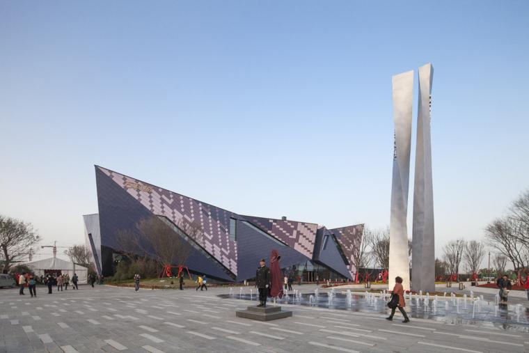 河南郑州万科城售楼中心改造外部-河南郑州万科城售楼中心改造第2张图片
