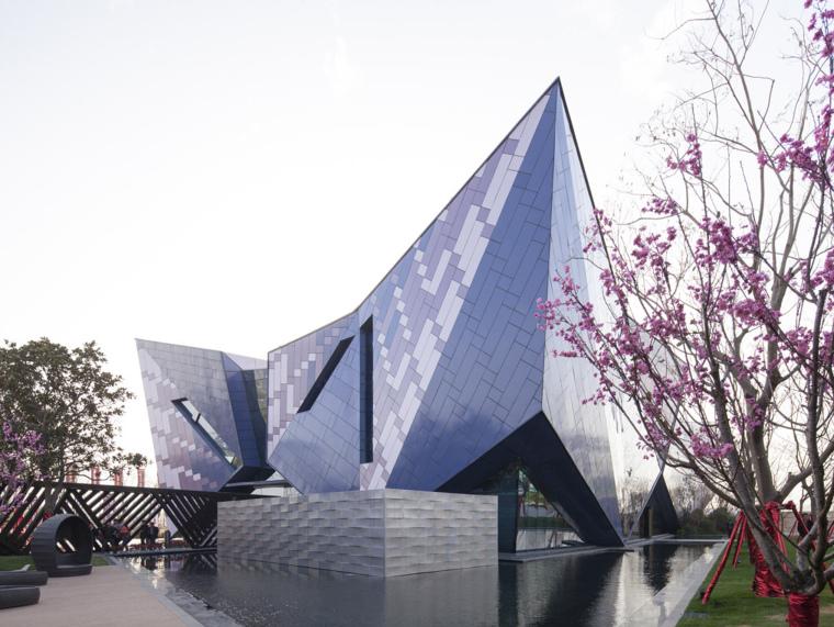 河南郑州万科城售楼中心改造第1张图片