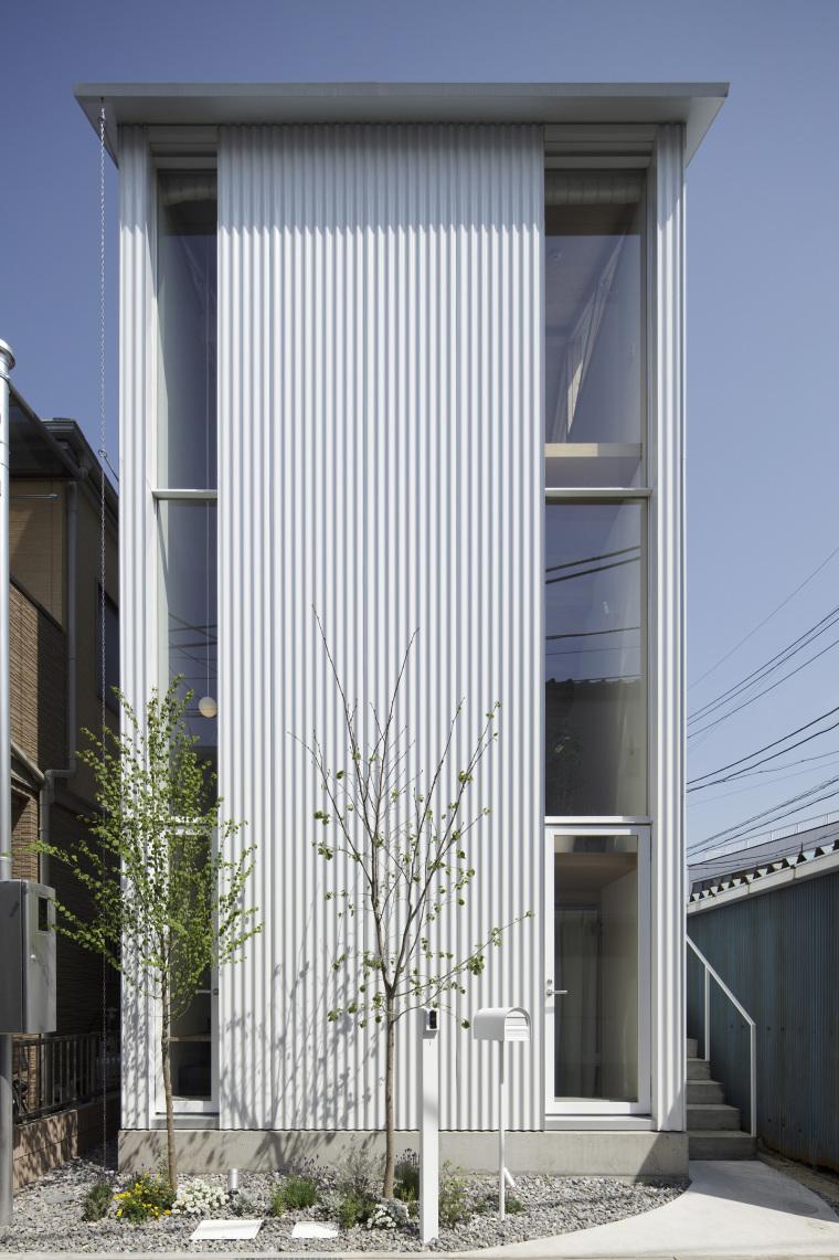 日本白色椴树公寓外部实景图-日本白色椴树公寓第2张图片