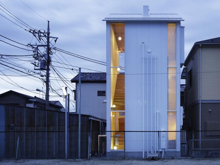 日本白色椴树公寓第1张图片
