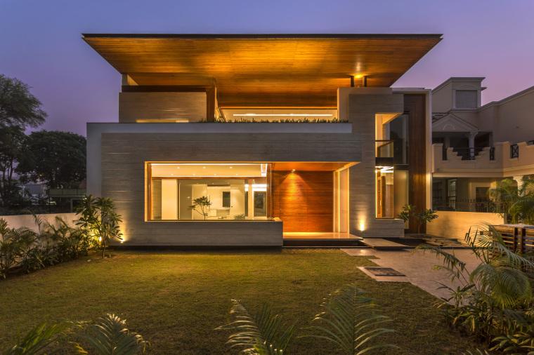 印度莫哈利别墅外部夜景实景图-印度莫哈利别墅第4张图片