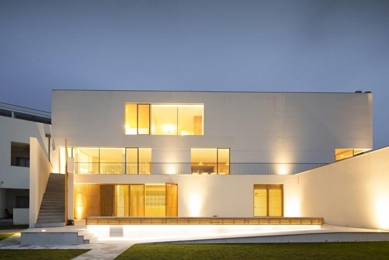 葡萄牙新米尼奥酒店外部夜景实景-葡萄牙新米尼奥酒店第13张图片