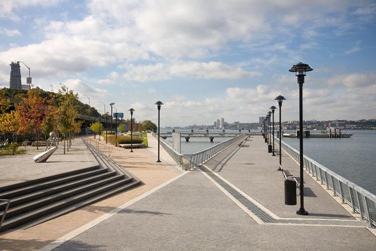 美国西哈莱姆码头公园外部道路实-美国西哈莱姆码头公园第5张图片