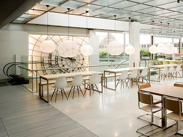 荷兰Bijenkorf 开放式餐厅