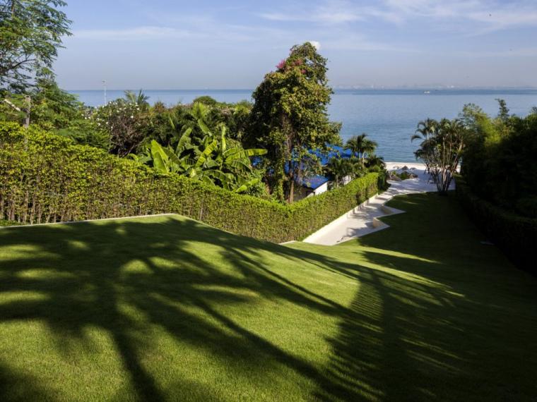 泰国芭堤雅销售中心花园景观