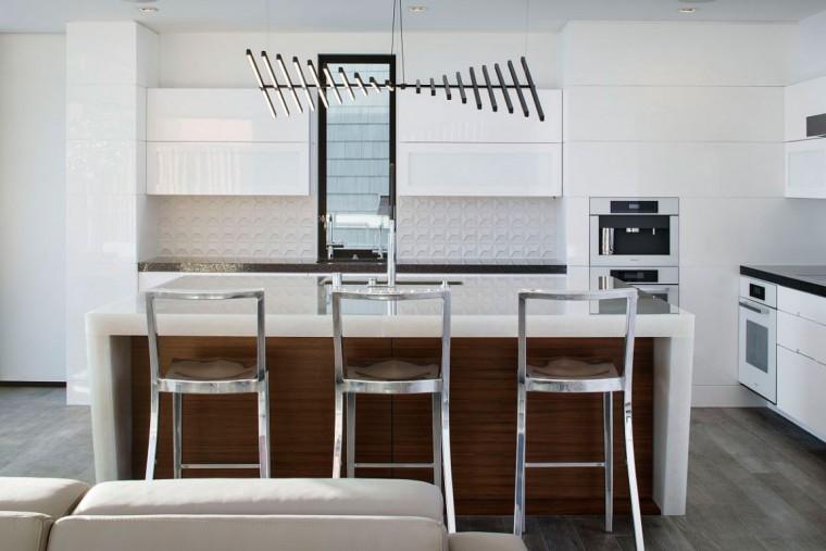 美国拉古娜滨海豪宅室内厨房实景-美国拉古娜滨海豪宅第15张图片