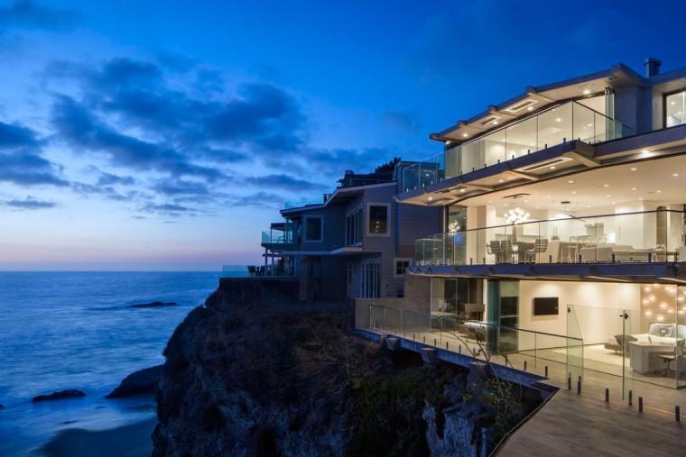 美国拉古娜滨海豪宅外部夜景实景-美国拉古娜滨海豪宅第39张图片