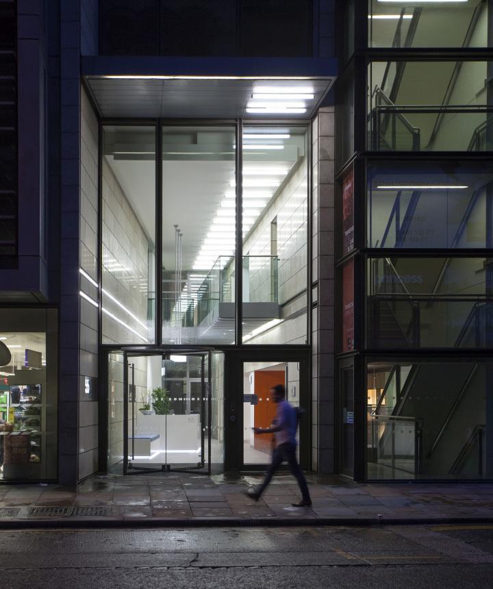 英国公主大街55号办公室外部夜景-英国公主大街55号办公室第9张图片