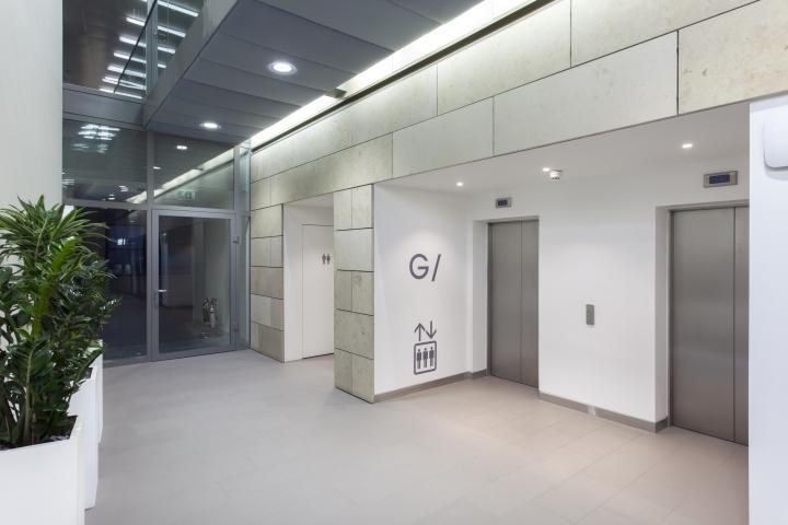 英国公主大街55号办公室室内过道-英国公主大街55号办公室第4张图片