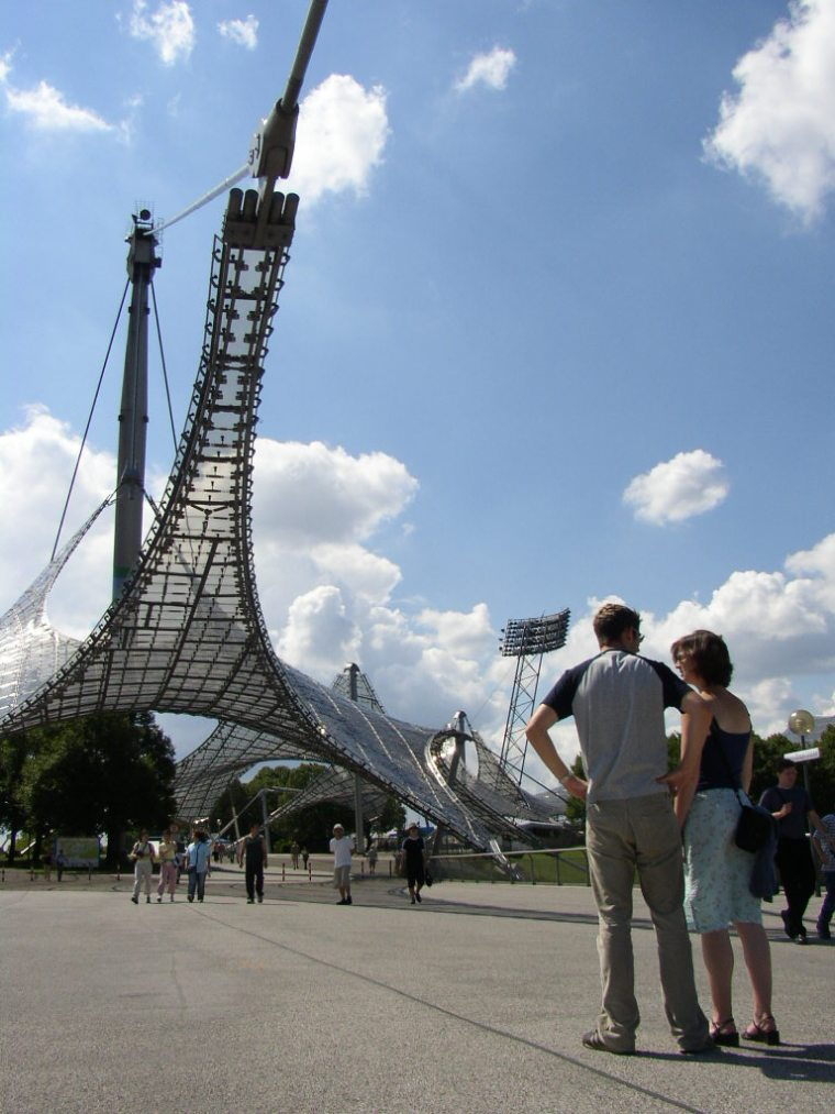 慕尼黑奥林匹克体育场外部道路实-慕尼黑奥林匹克体育场第10张图片