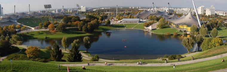 慕尼黑奥林匹克体育场外部实景图-慕尼黑奥林匹克体育场第3张图片