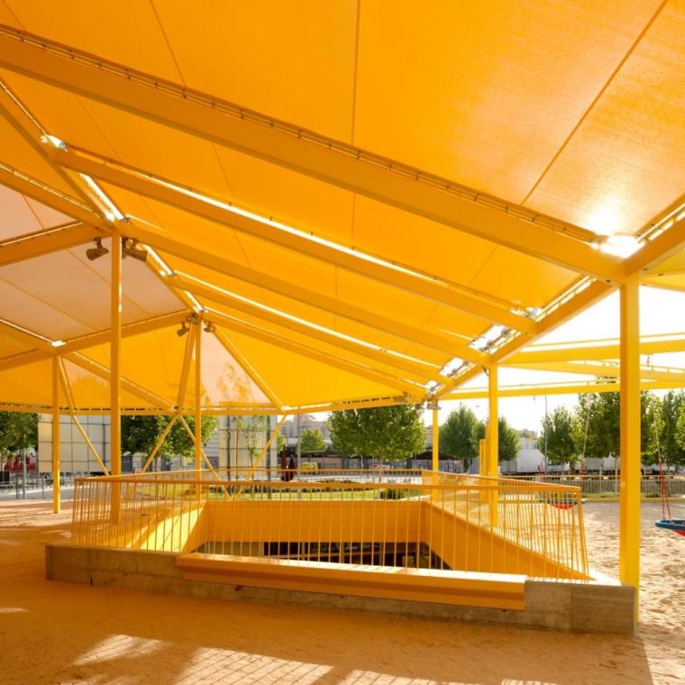 西班牙生态城广场外部局部实景图-西班牙生态城广场第5张图片