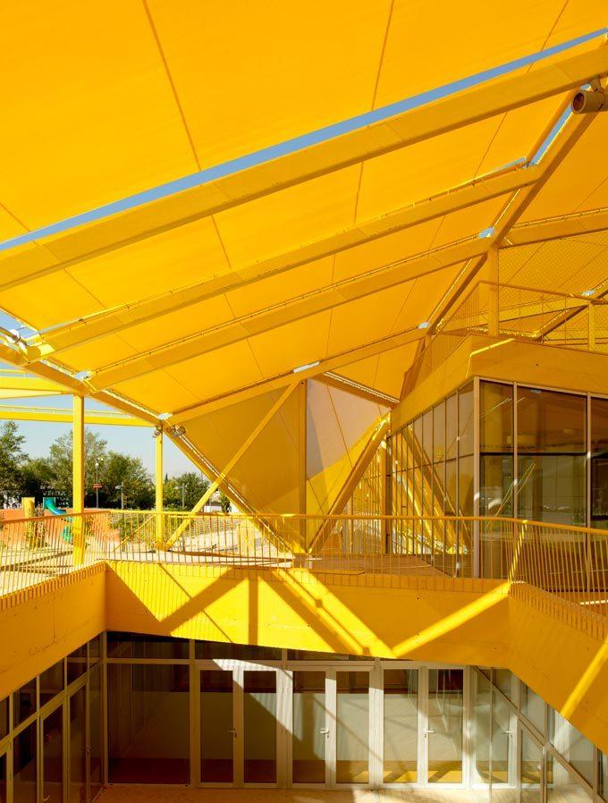 西班牙生态城广场外部局部实景图-西班牙生态城广场第6张图片