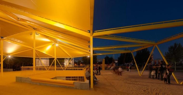 西班牙生态城广场外部夜景实景图-西班牙生态城广场第10张图片