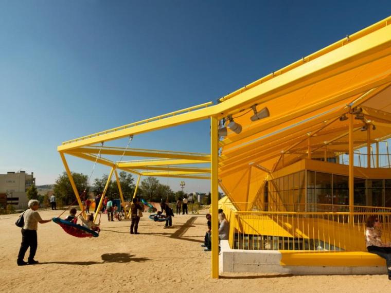 西班牙生态城广场第1张图片