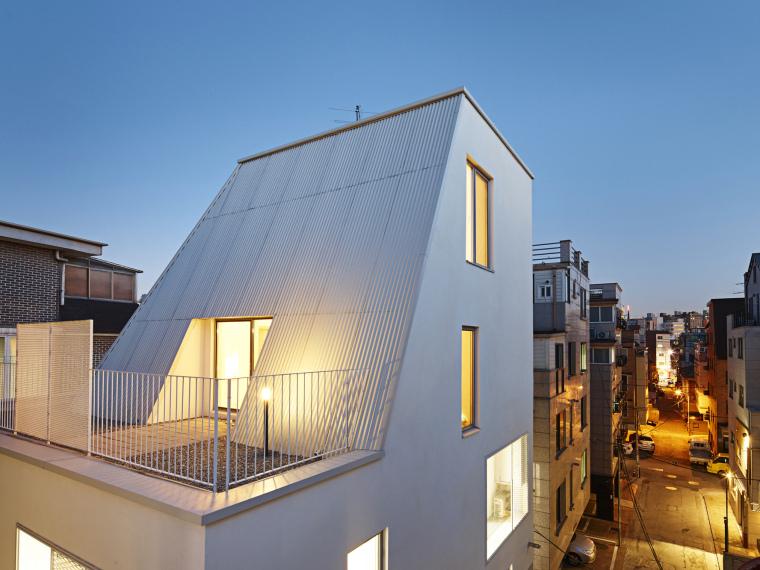 韩国白色圆锥别墅