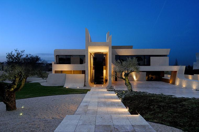西班牙mocha住宅翻新外部夜景实景-西班牙mocha住宅翻新第11张图片