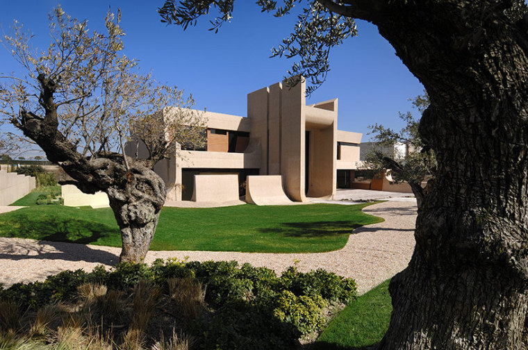 西班牙mocha住宅翻新外部实景图-西班牙mocha住宅翻新第2张图片