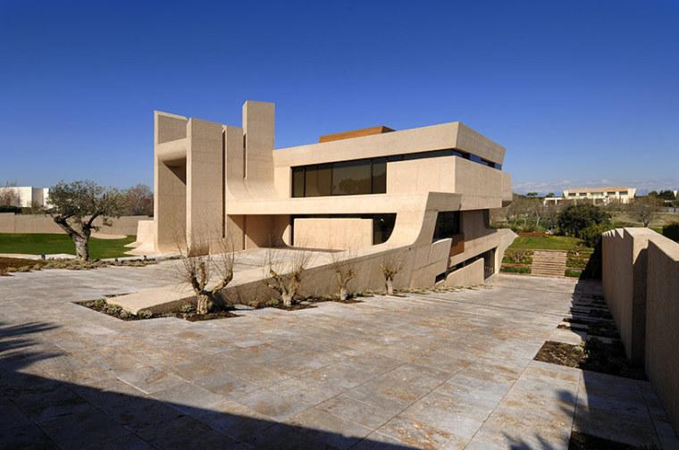 西班牙mocha住宅翻新外部实景图-西班牙mocha住宅翻新第3张图片