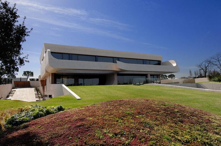 西班牙mocha住宅翻新外部实景图-西班牙mocha住宅翻新第6张图片