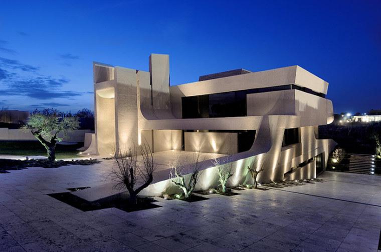 西班牙mocha住宅翻新外部夜景实景-西班牙mocha住宅翻新第17张图片