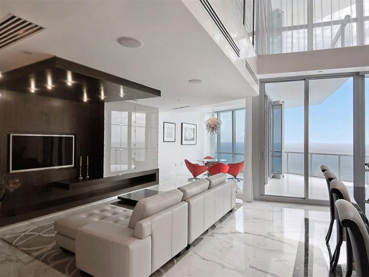 美国翡翠海洋顶层公寓