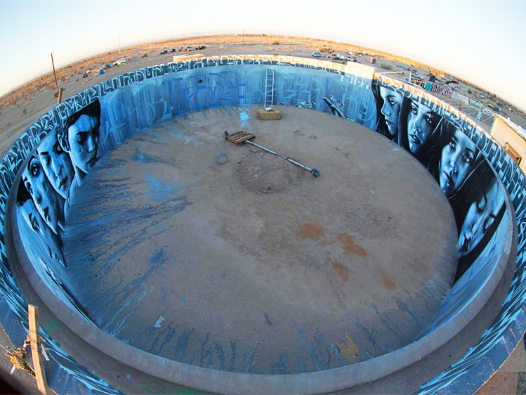 美国沙漠地带水池内壁壁画