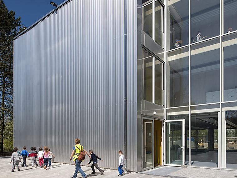 欧式墙壁su模型下载资料下载-德国欧式校舍