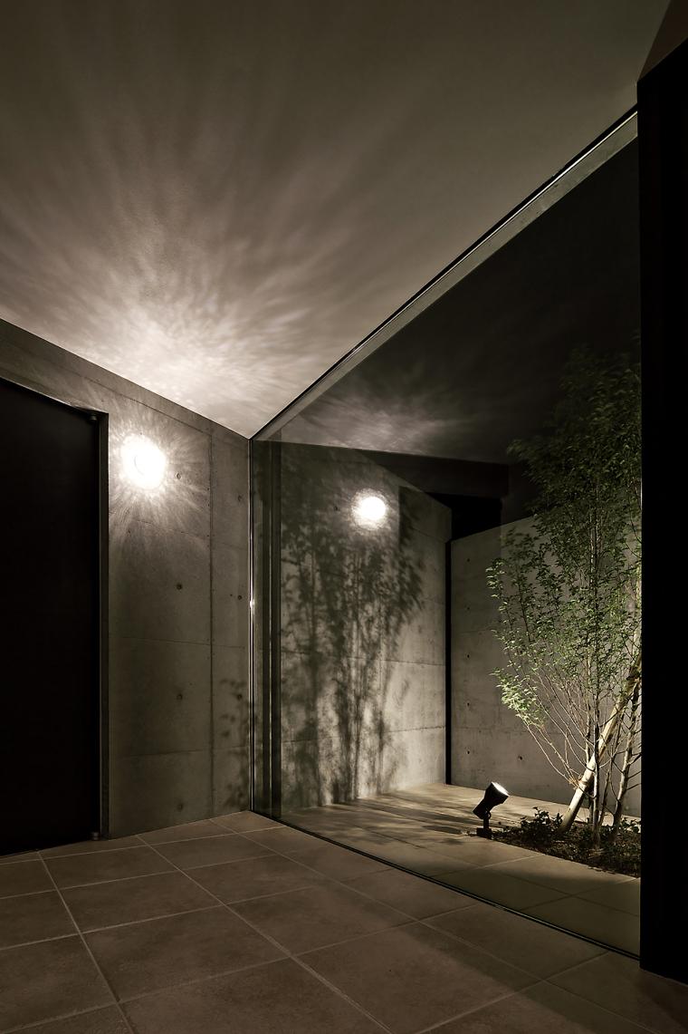 日本悬浮住宅外部夜景实景图-日本悬浮住宅第44张图片