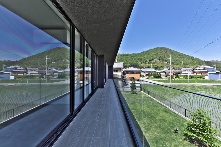 日本悬浮住宅外部实景图-日本悬浮住宅第11张图片