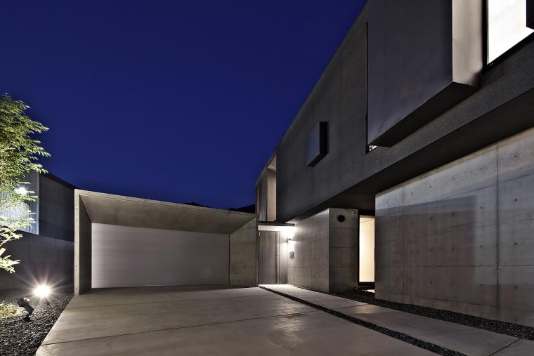 日本悬浮住宅外部夜景实景图-日本悬浮住宅第20张图片