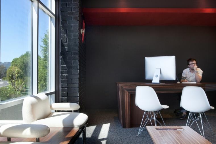 美国Clover公司办公室室内实景图-美国Clover公司办公室第3张图片