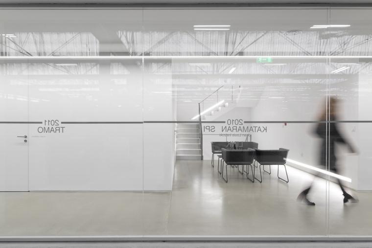 葡萄牙FAMOU公司办公室