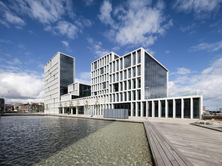 丹麦时尚集团Bestseller办公楼