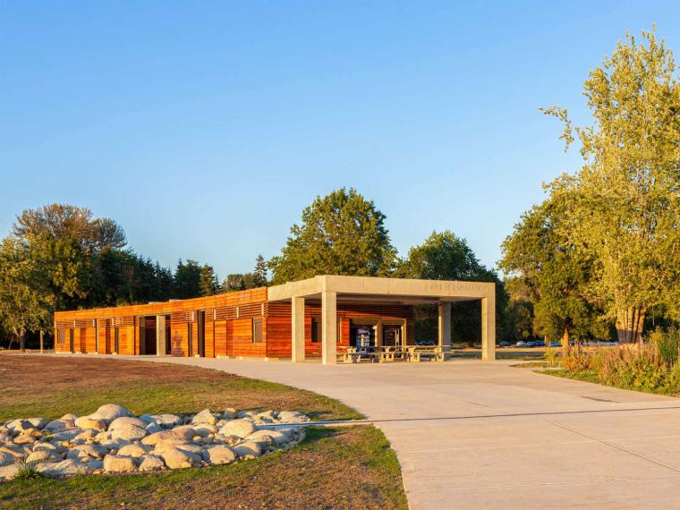 Issaquah资料下载-美国Sam湖州立公园更衣室重建