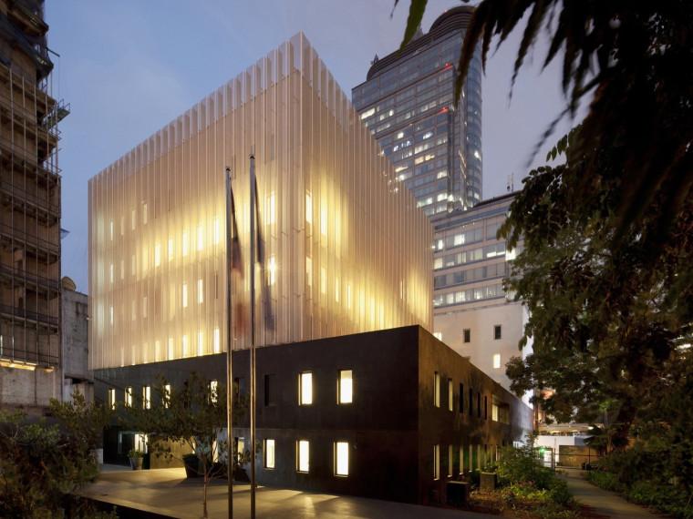 ICADE总理府新办资料下载-法国驻雅加达大使馆及法国研究所