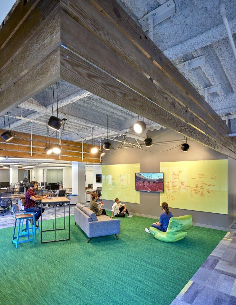 美国Udemy公司办公室室内实景图-美国Udemy公司办公室第8张图片