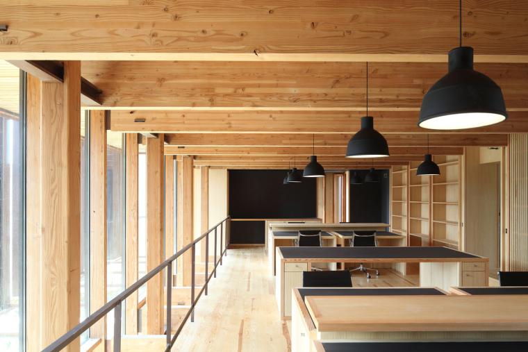 法国勒鲁热综合楼内部实景图-法国勒鲁热综合楼第12张图片