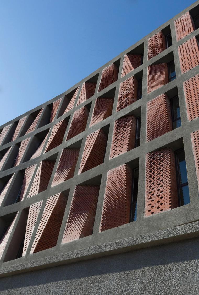 德黑兰多孔砖覆盖的住宅