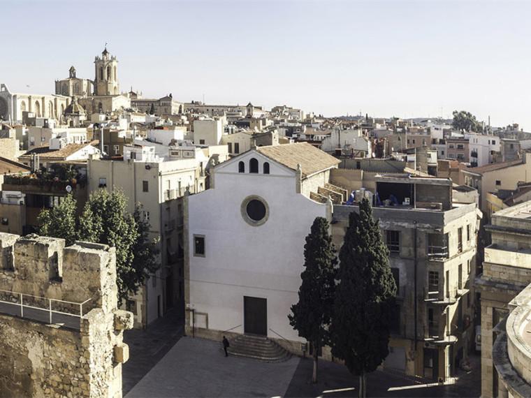 西班牙老城教堂立面改造