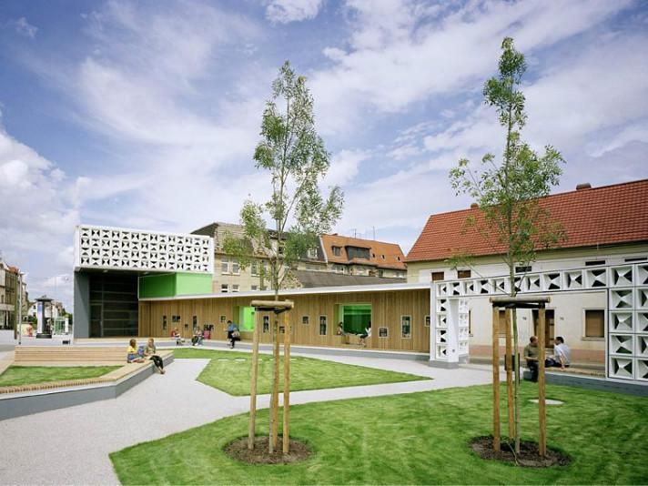 德国废弃仓库改建的露天图书馆
