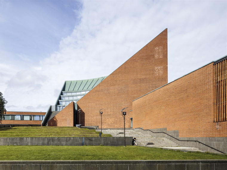 芬兰阿尔托大学本科中心改造设计