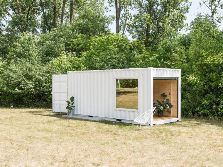 加拿大集装箱打造的移动精品店