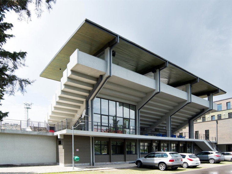 格鲁吉亚奥林匹克网球场倌
