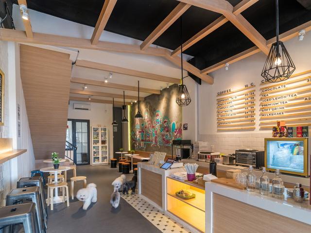 印尼The宠物美容院兼咖啡馆