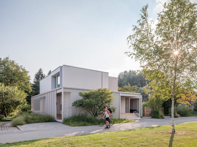 瑞士比尔湖住宅第1张图片