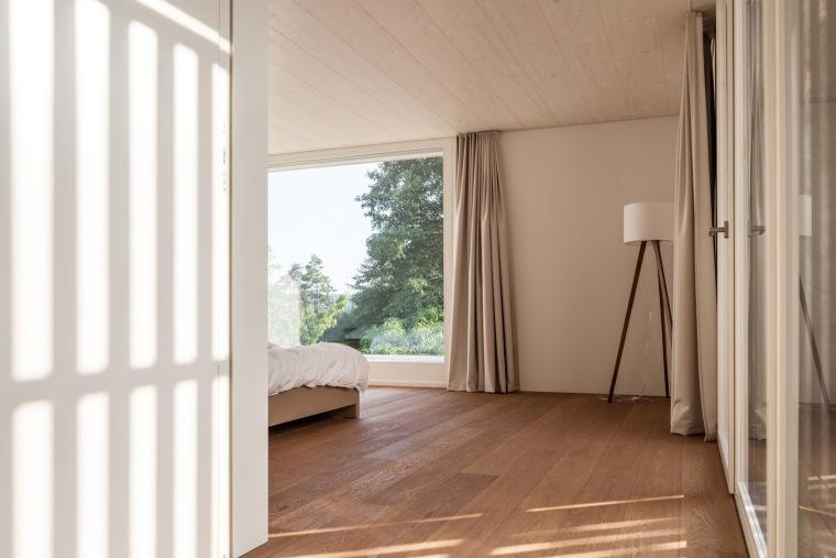 瑞士比尔湖住宅内部实景图-瑞士比尔湖住宅第9张图片