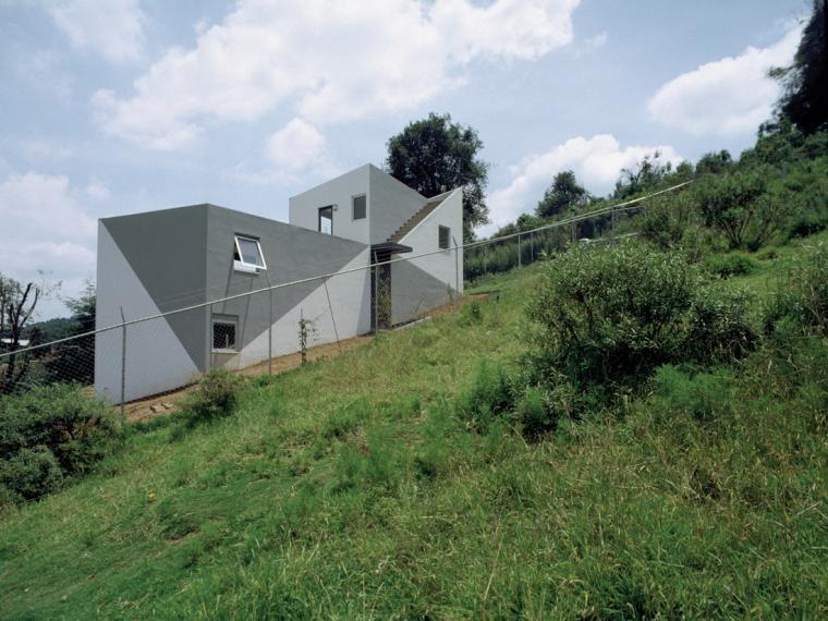 斜坡上的住宅(House on a Slope)
